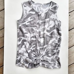 Knotted Front Cable & Guage Camo Top